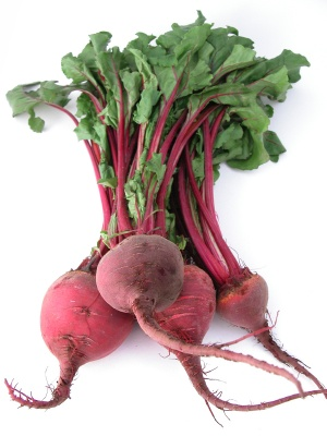 A fresh bunch of beetroot, ready to cook!